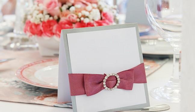 Personalisierte Satinbänder – schöne Accessoires für jede Hochzeit