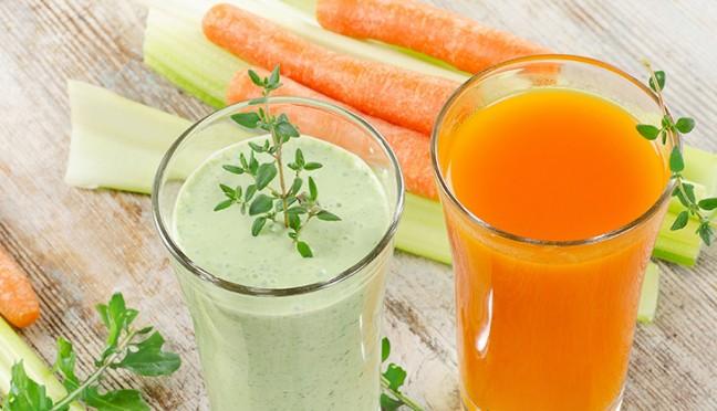 Erfrischende Getränke helfen beim Entgiften
