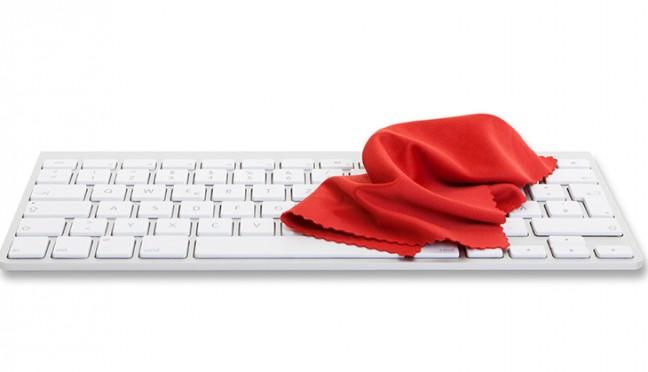 Wie sollte die Computer Tastatur gereinigt werden?