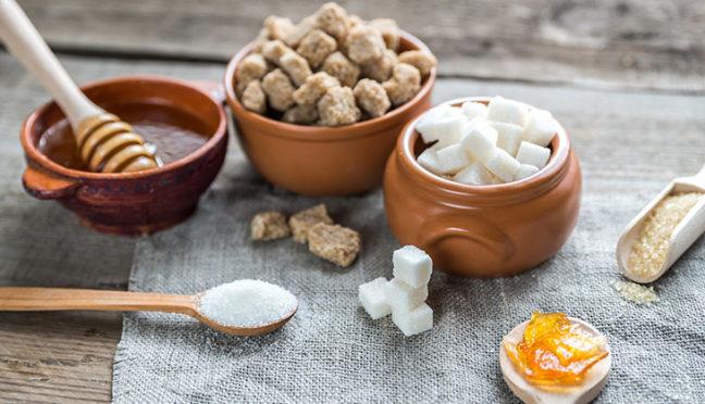 Zucker oder Honig – was ist gesünder?