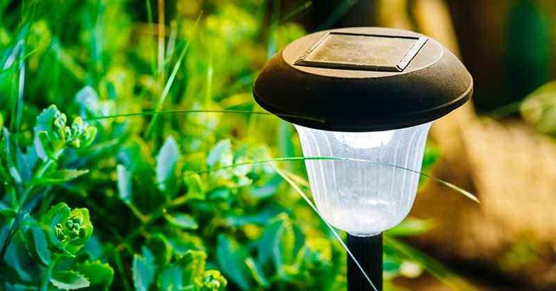 solarleuchten f r den garten umweltfreundlich und vielseitig ratgeber. Black Bedroom Furniture Sets. Home Design Ideas