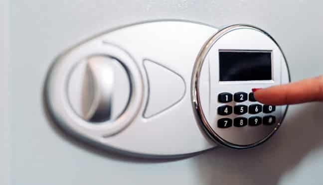 Sicherheit im Urlaub: Eignen sich Hotelsafes zur Aufbewahrung von Wertsachen?